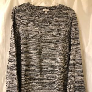 Sweater with Fabric edge on bottom